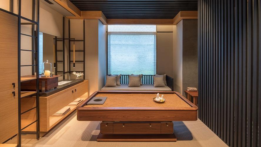 Qua Spa Caesars - Quartz Bed