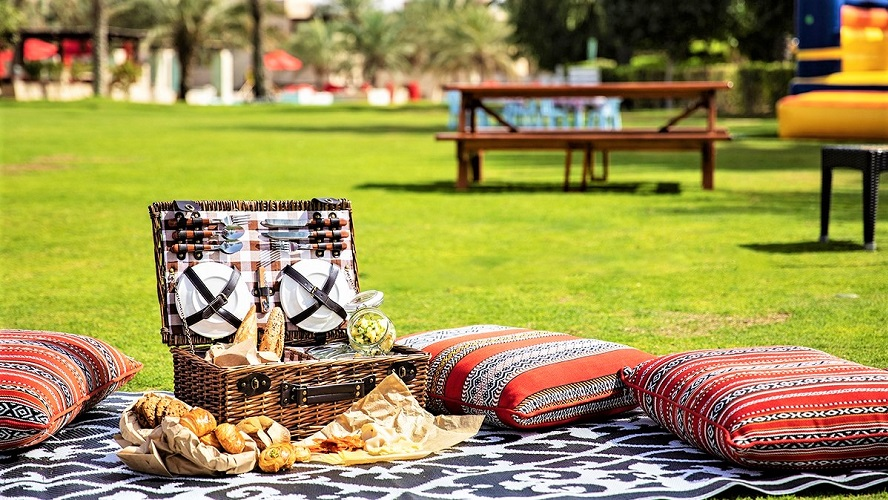 Bab Al Shams 360 Nature Brunch