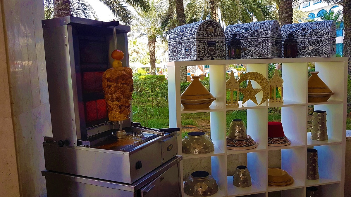 Ajman Hotel - Friday Garden Brunch - BBQ & Live Cooking (06)