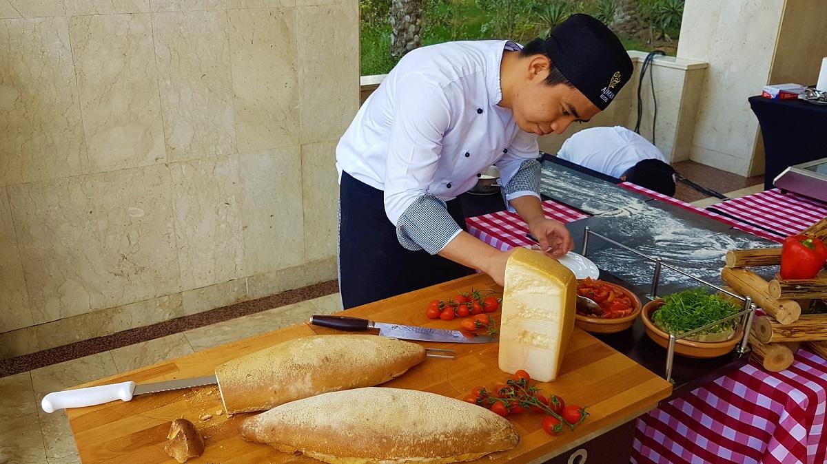 Ajman Hotel - Friday Garden Brunch - BBQ & Live Cooking (07)