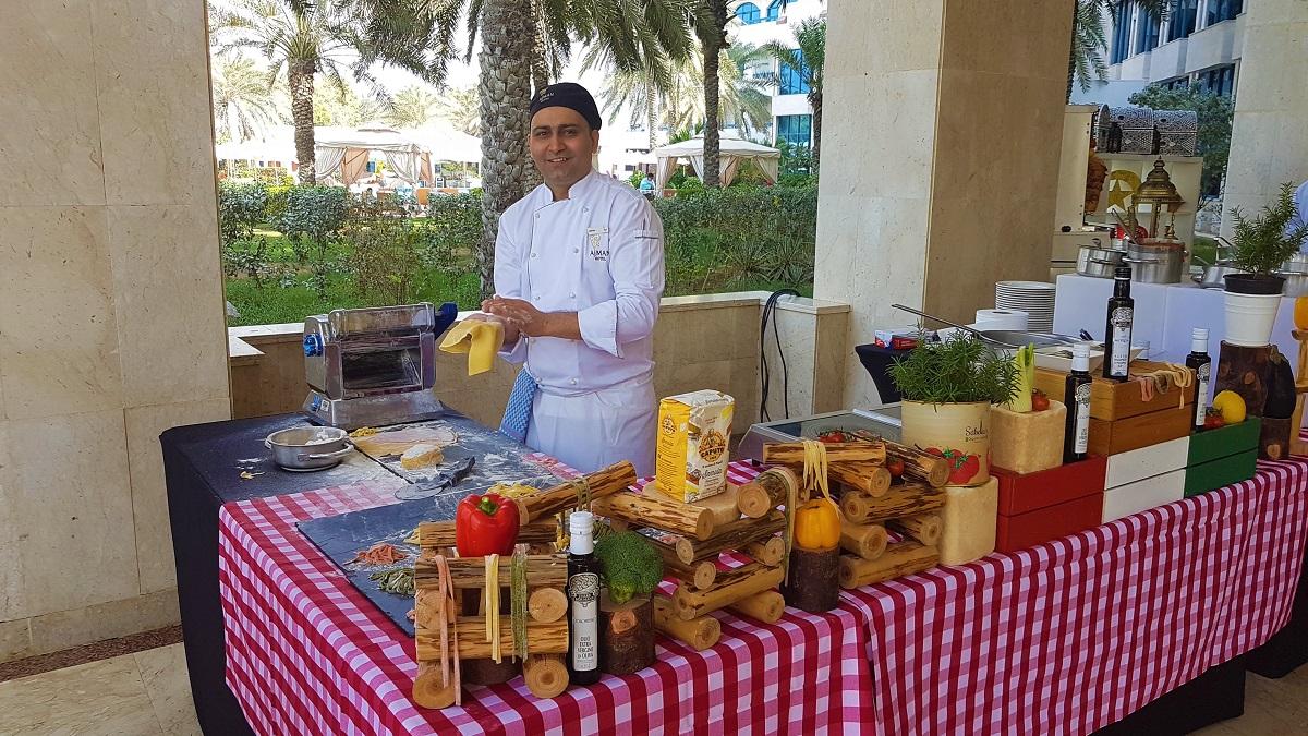 Ajman Hotel - Friday Garden Brunch - BBQ & Live Cooking (09)