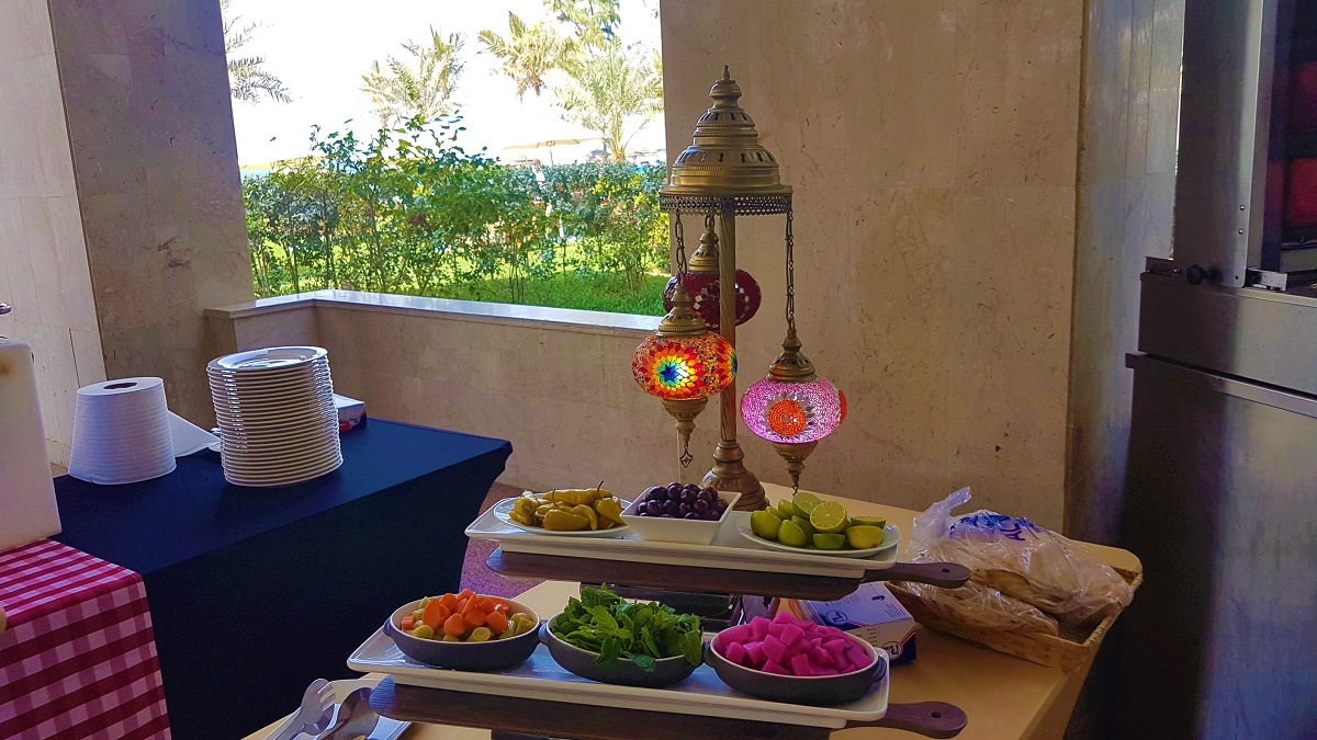 Ajman Hotel - Friday Garden Brunch - BBQ & Live Cooking (10)