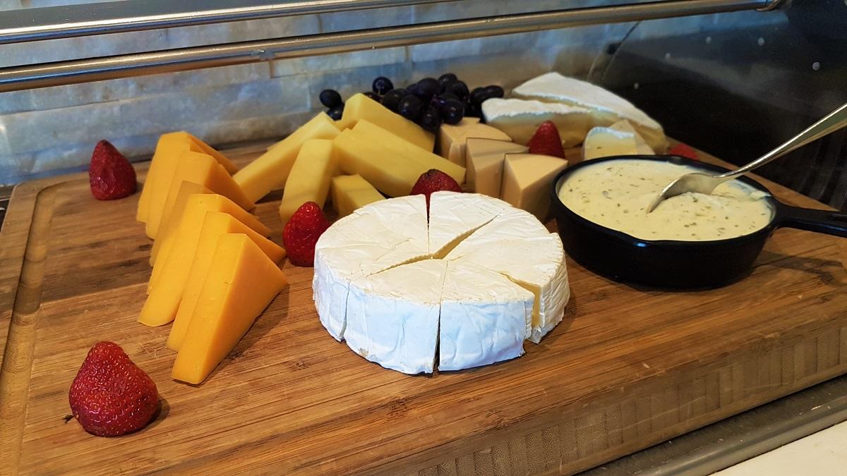 Ajman Hotel - Friday Garden Brunch - Bread & Cheese (02)