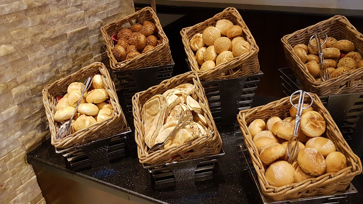 Ajman Hotel - Friday Garden Brunch - Bread & Cheese (03)