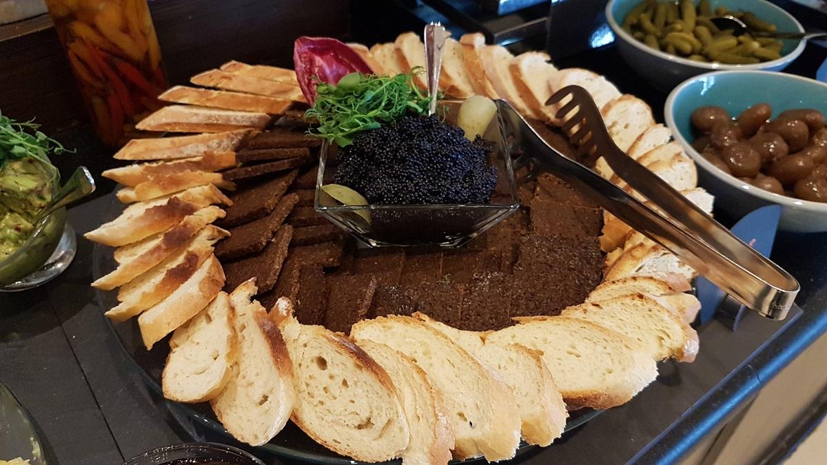 Ajman Hotel - Friday Garden Brunch Buffet (17)