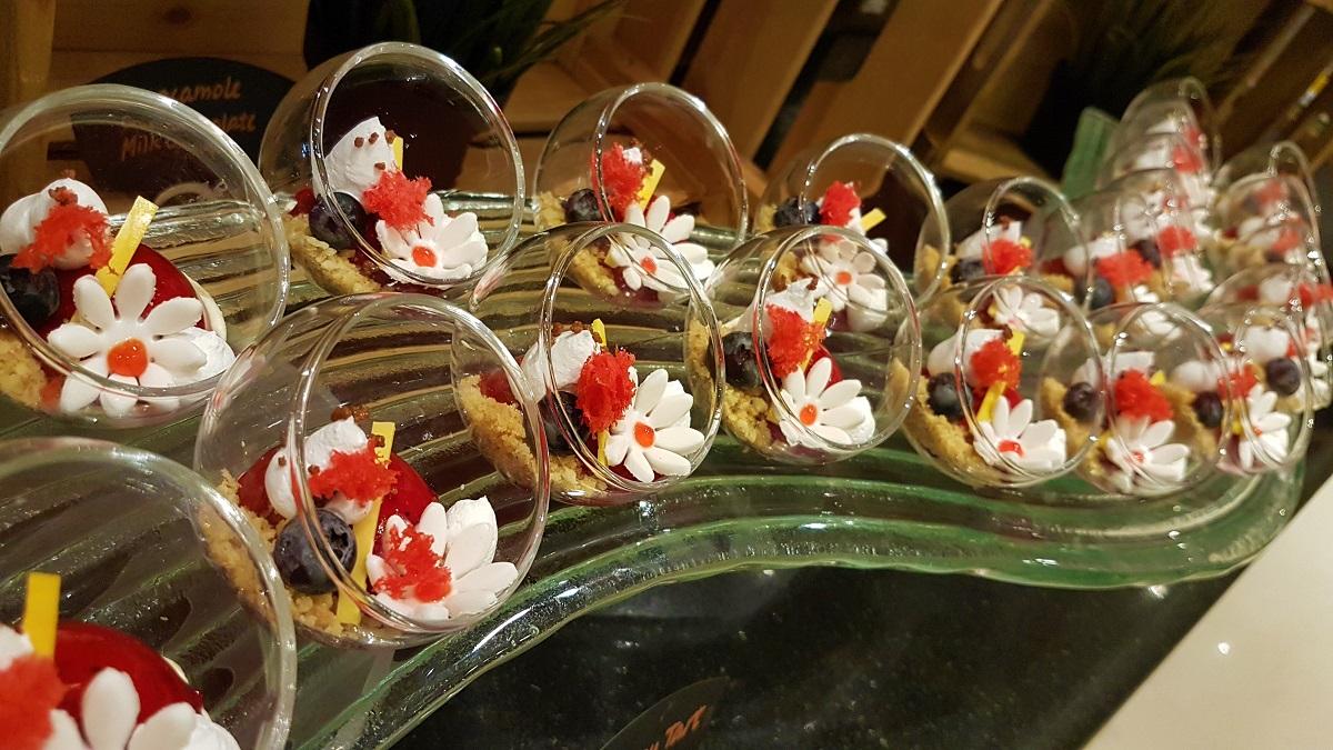 Ajman Hotel - Friday Garden Brunch - Desserts (02)
