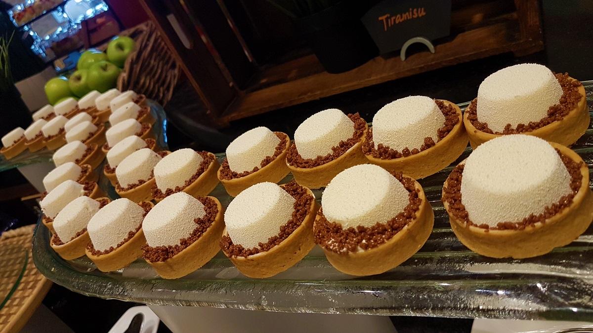 Ajman Hotel - Friday Garden Brunch - Desserts (03)