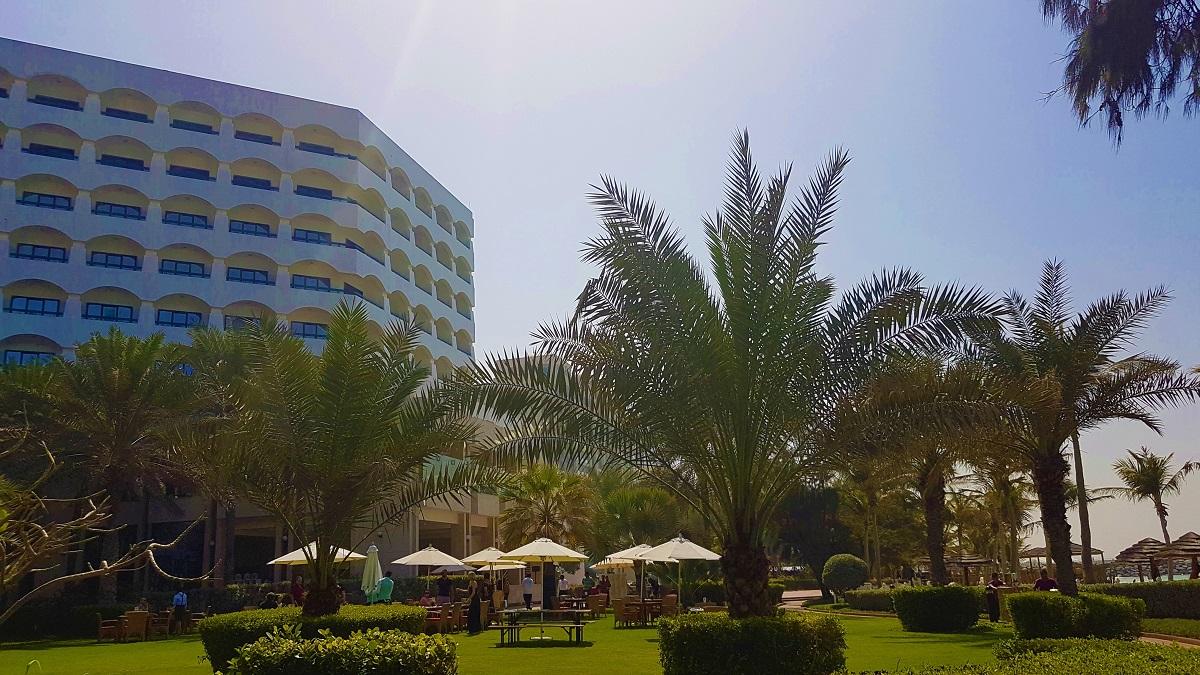 Ajman Hotel - Friday Beach & Garden Brunch (01)