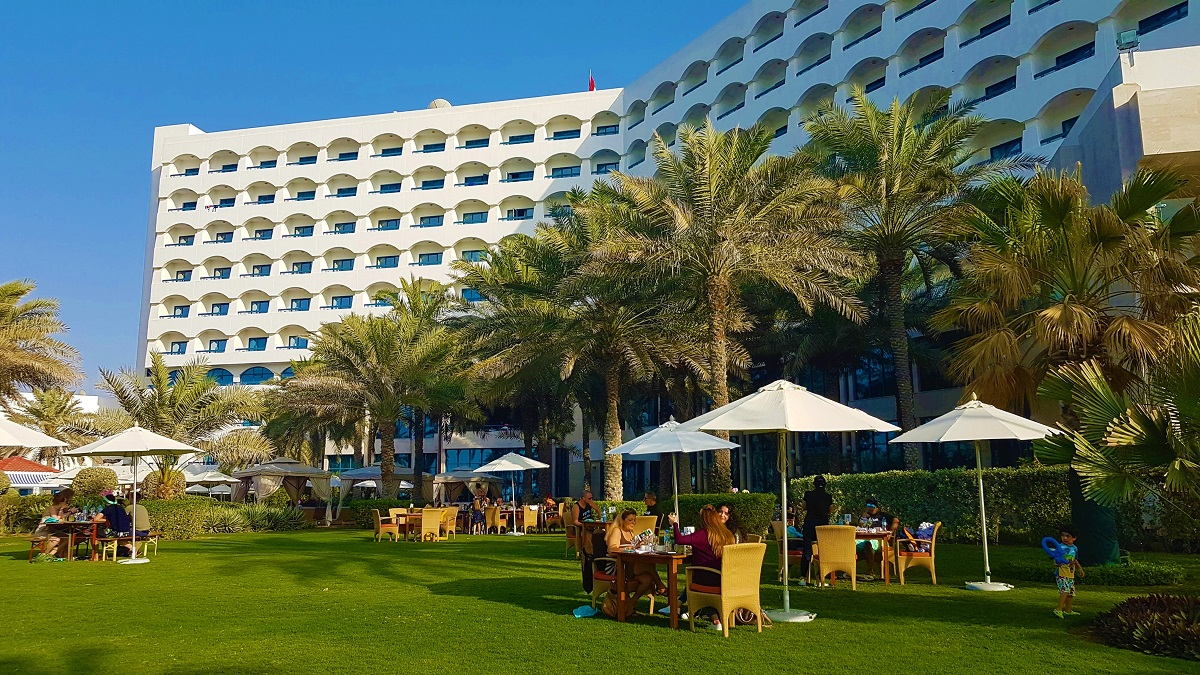 Ajman Hotel - Friday Beach & Garden Brunch (06)