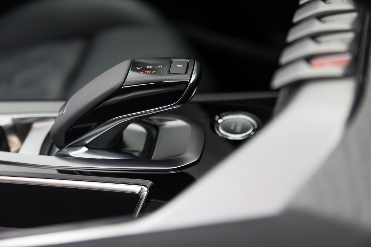 Peugeot 5008 SUV - Interior (02)