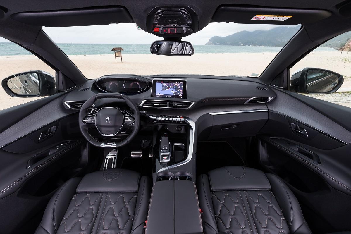 Peugeot 5008 SUV - Interior (04)