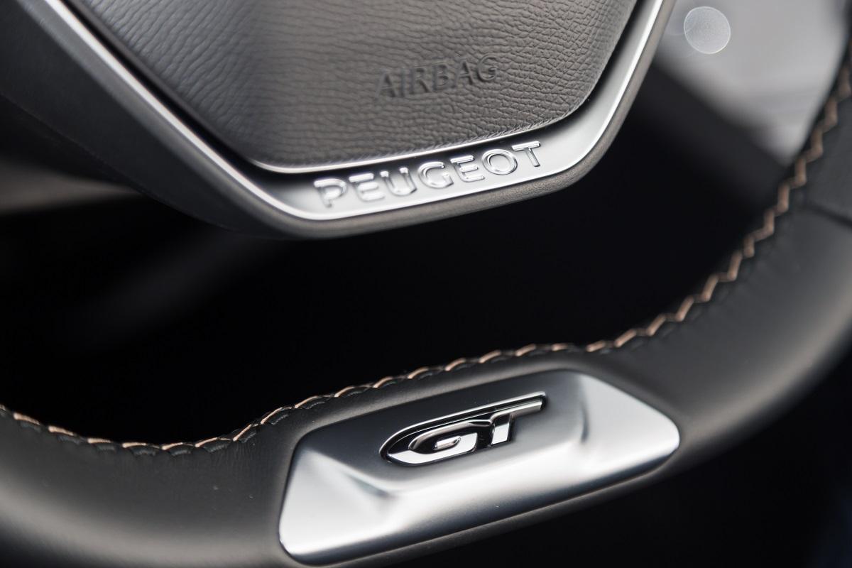 Peugeot 5008 SUV - Interior (05)