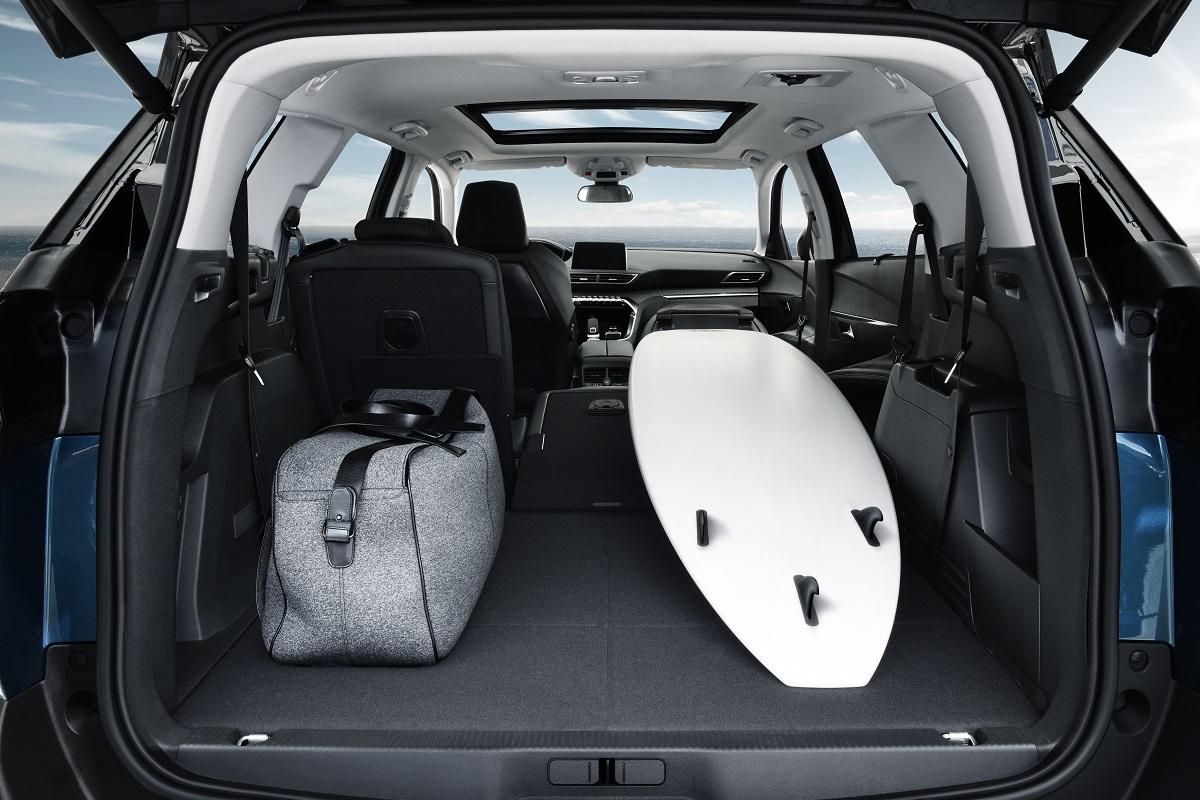 Peugeot 5008 SUV - Interior (08)